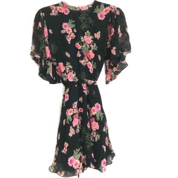 585bf4bf5d Zara Woman Floral High Neck Mini Dress. M_5b5948557c979d528bbff937
